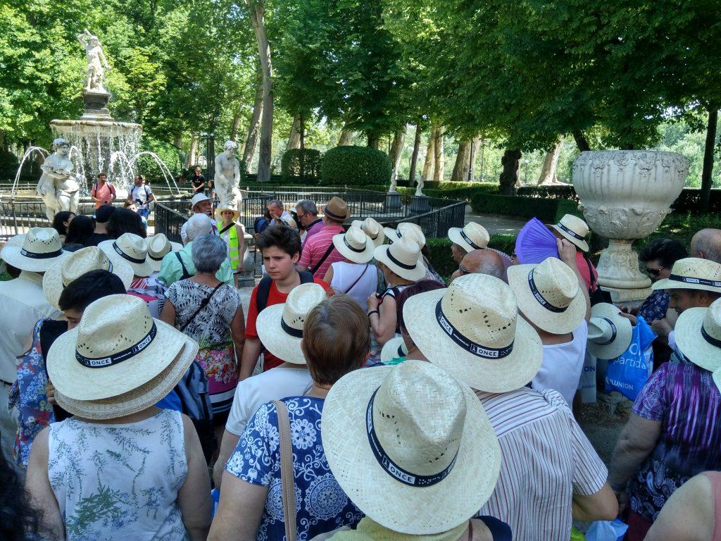 Aranjuez, Jardín de la Isla, Jose explicando la Fuente de Hércules y la Hidra.